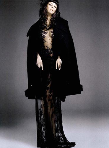 Monica-Belucci_Vogue-Spain_Alix-Malka_Barbara-Baumel_10.jpg