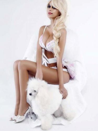 V_Karl-Lagerfeld_Zahia-Dehar_Barbara-Baumel_04.jpg
