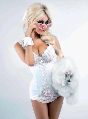 V_Karl-Lagerfeld_Zahia-Dehar_Barbara-Baumel_05.jpg