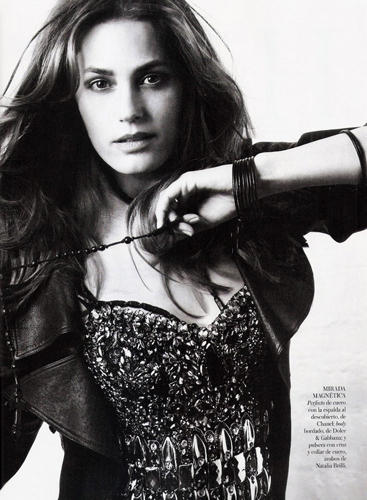 VOGUE-SPAIN_Jan-Welters_Barbara-Baumel_Yasmin-Lebon_07.jpg