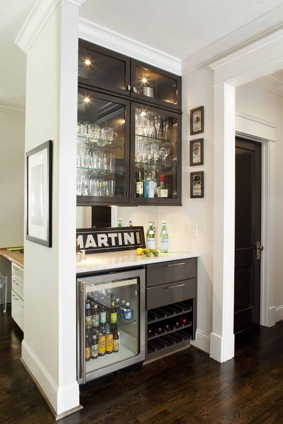 Martini built in bar.jpg