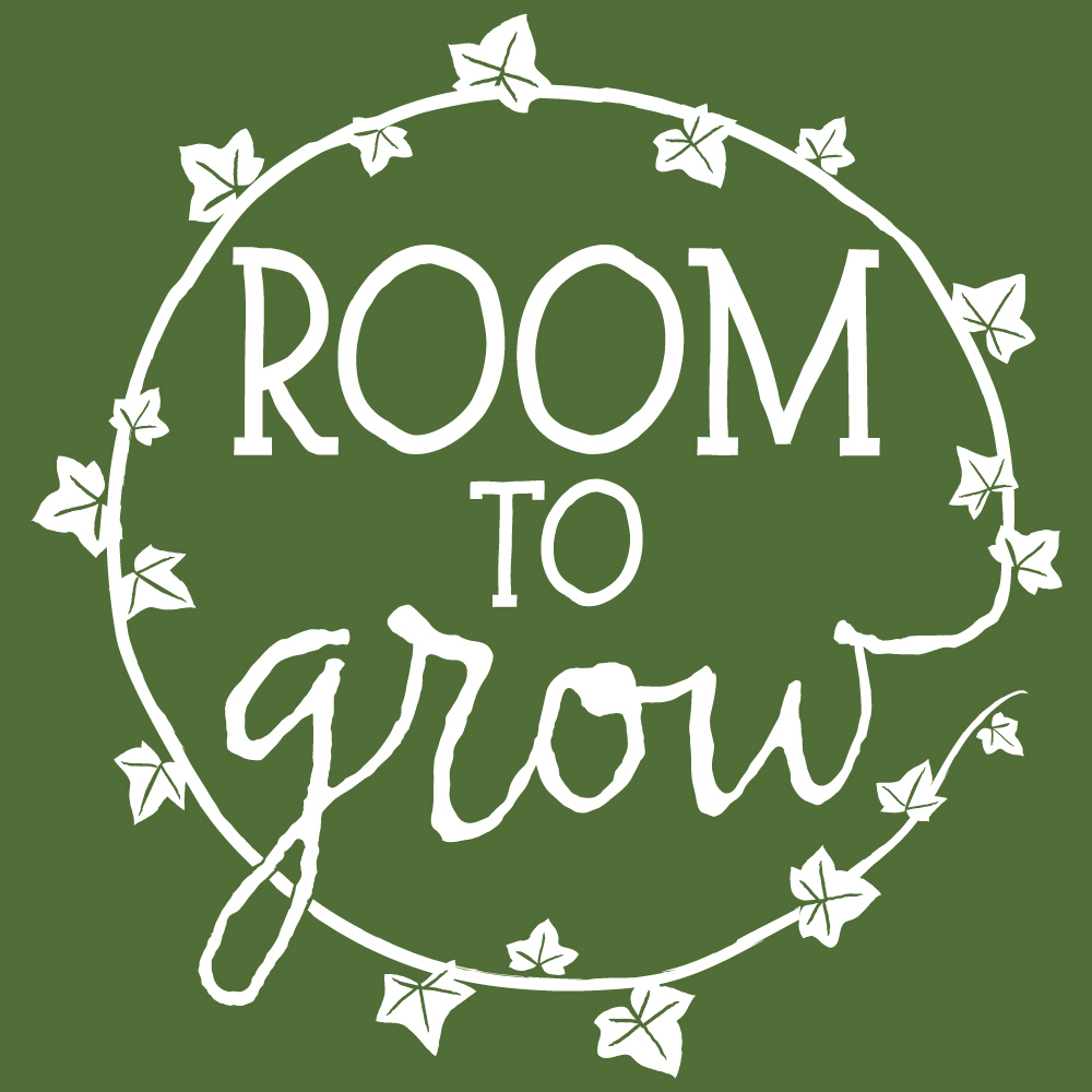 RoomToGrow_Logo_White-Green.jpg