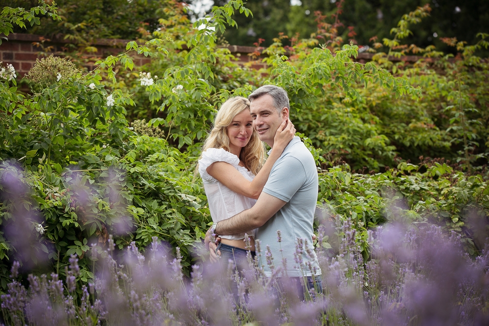 Valentines Gardens Engagement Shoot