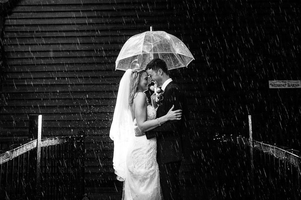 Old Brook Barn Wedding Photographer_2006.jpg