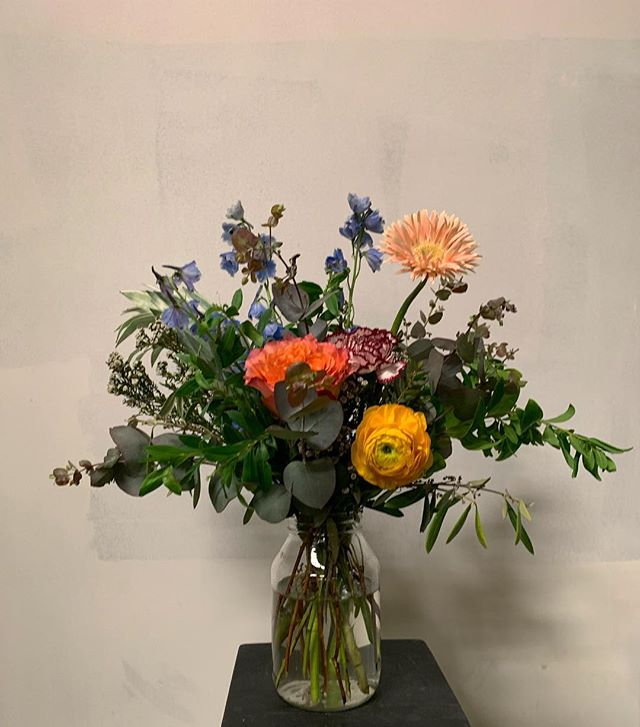 Still life with flowers. #stemsbrooklyn #flowerworkshop