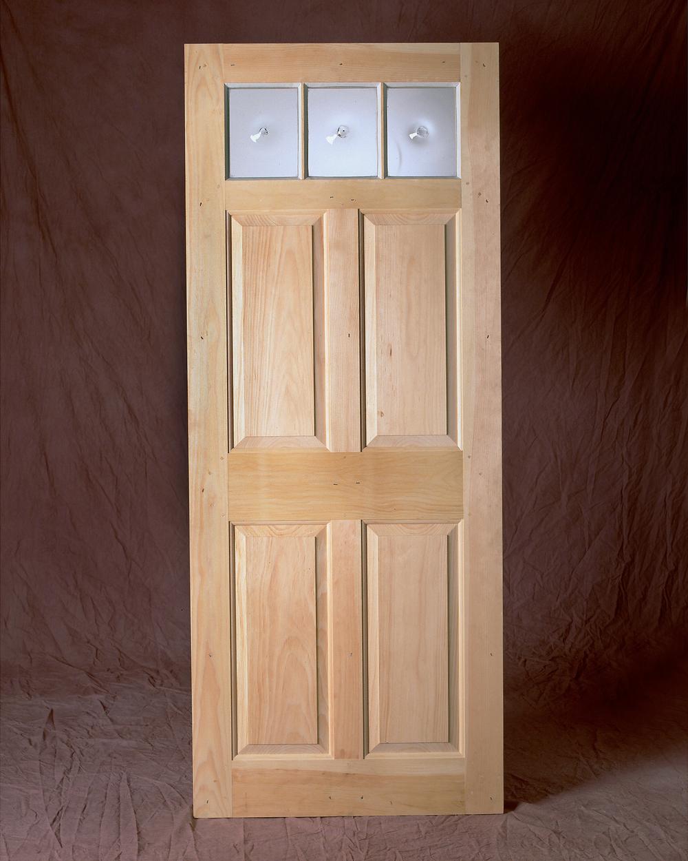 11 INT. DOOR.jpg