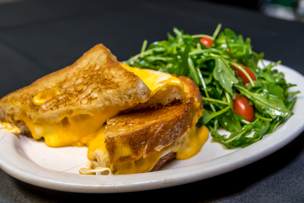3rd Coast Cafe - Chicago Gold Coast American Restaurant; famous grilled cheese sandwich.