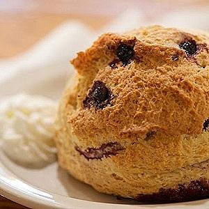 blueberry-scone-3rd-coast-café-restaurant-gold-coast-chicago.jpg