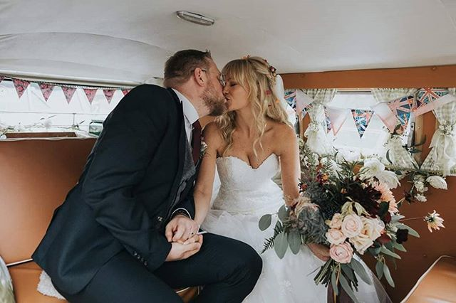 It's been so long since I've posted I felt the need to make it a double. PLUS LOOK!! 😍 Fred + Nicola had gorgeous VW campers at their wedding @gatestreetbarn1