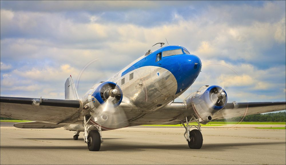 Ron Alexander's DC-3 at Briscoe Field (LZU) in Lawrenceville, Ga. ©2009 John Slemp