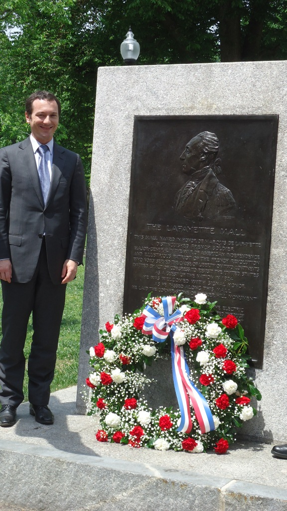 Consul General Fieschi at the Lafayette Monument