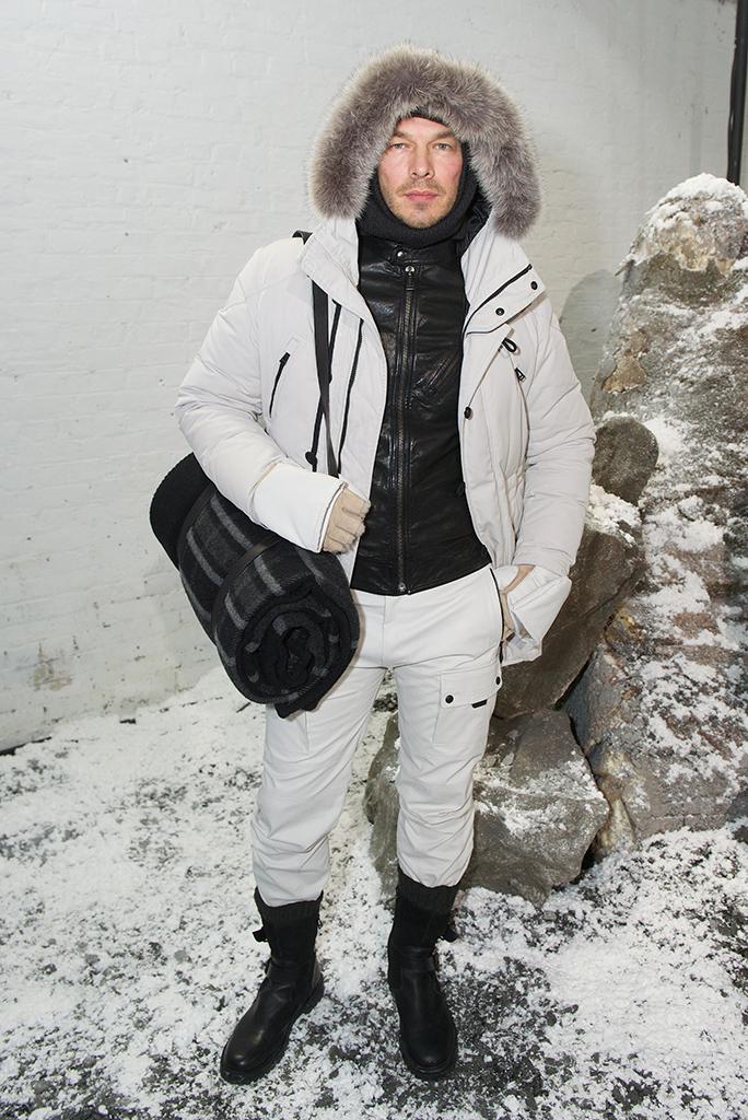 belstaff-menswear-fall-winter-2016-look-001.jpg