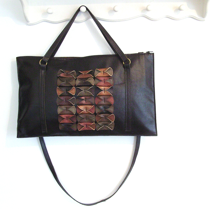 brown+folded+handbag.jpg