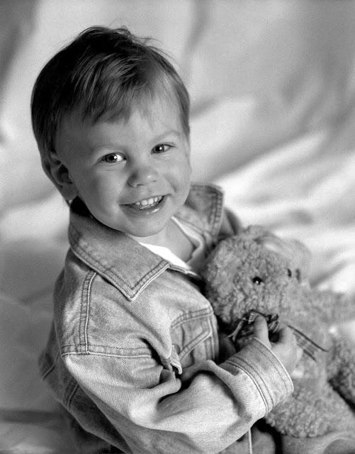 Kristian-2+with+teddy+bear.jpg