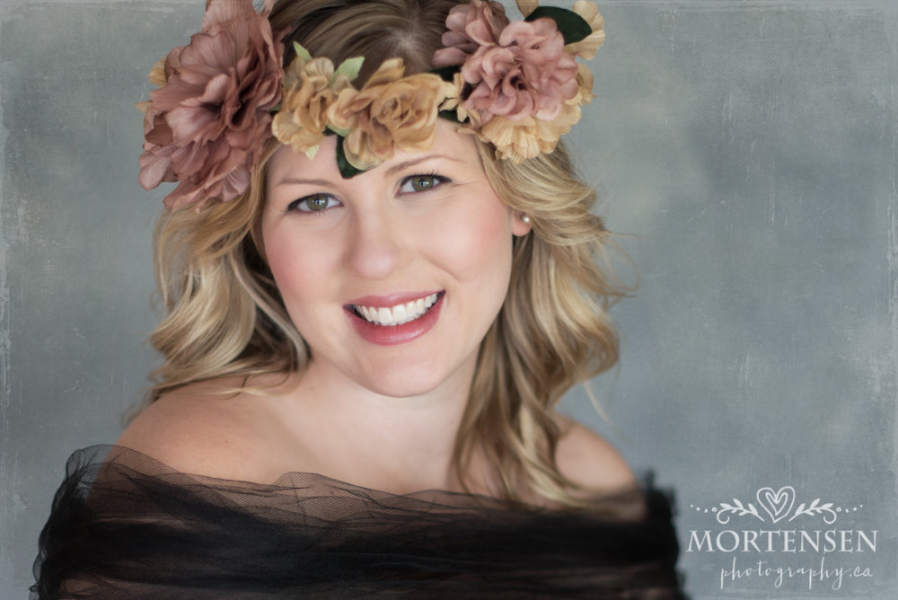 calgary women's beauty maternity portrait photographer