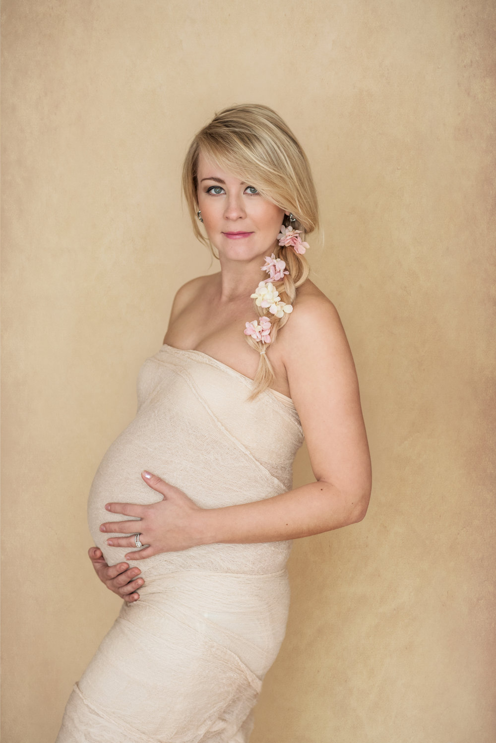 calgary womens beauty glamour maternity professional portrait photographer yyc mortensen photography