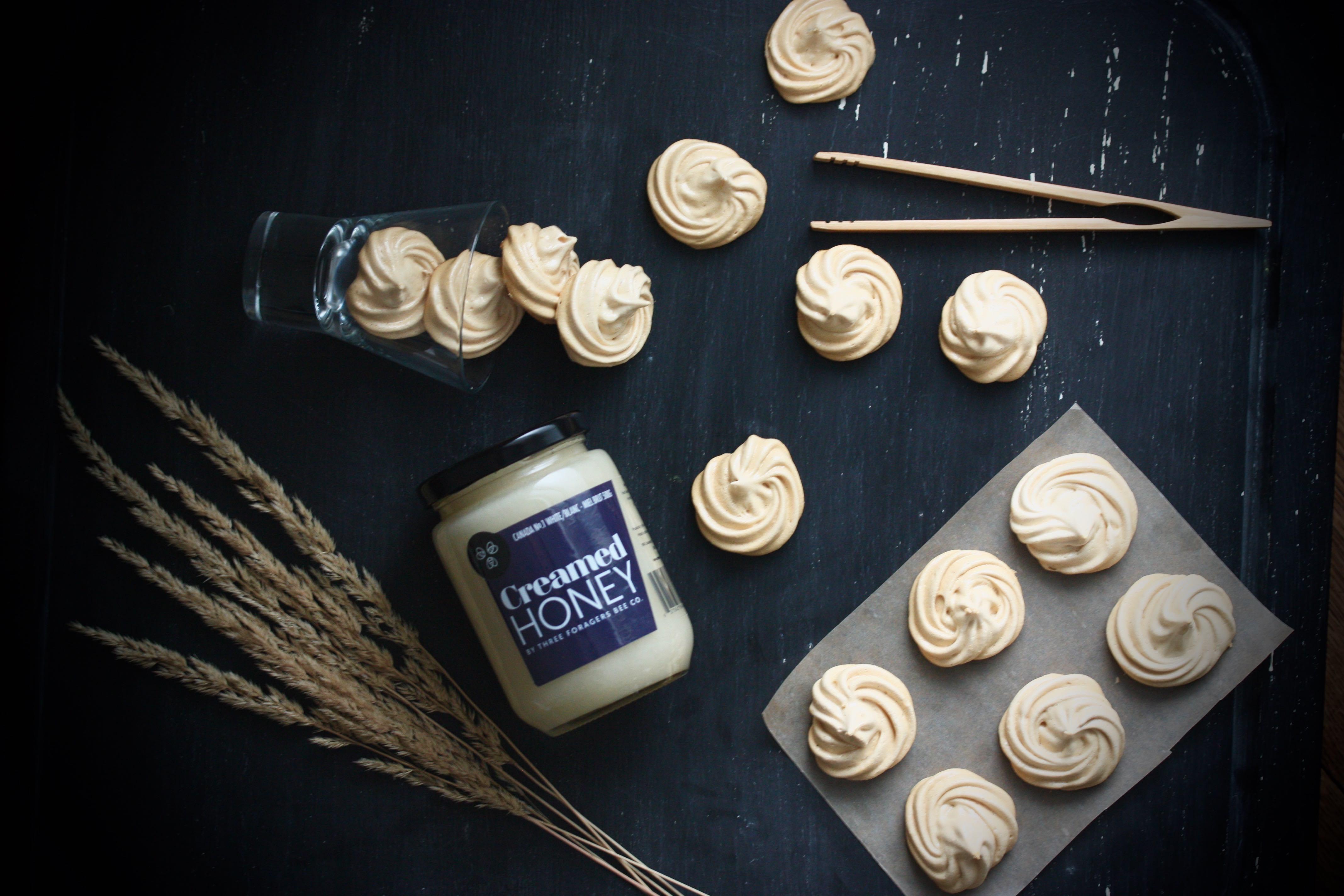 Honey meringues