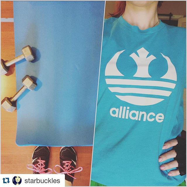 #Repost @starbuckles with @repostapp. ・・・ Working out to support the #alliance ⭐️#starwars @geekedoutfit