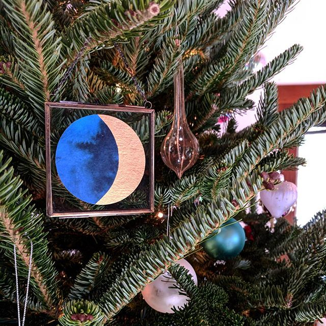 This Christmas, the night sky will illuminate the holiday with a bright Waxing Crescent. Capture this year's magic in a Christmas moon ornament. This hand painted moon is $25. DM to purchase. Local delivery is always free. Happy holidays! 🌲➡️🎄
