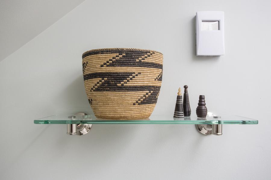 Minneapolis-St.Paul_Bathroom-Shelf-Detail_Metamorphosis.jpg