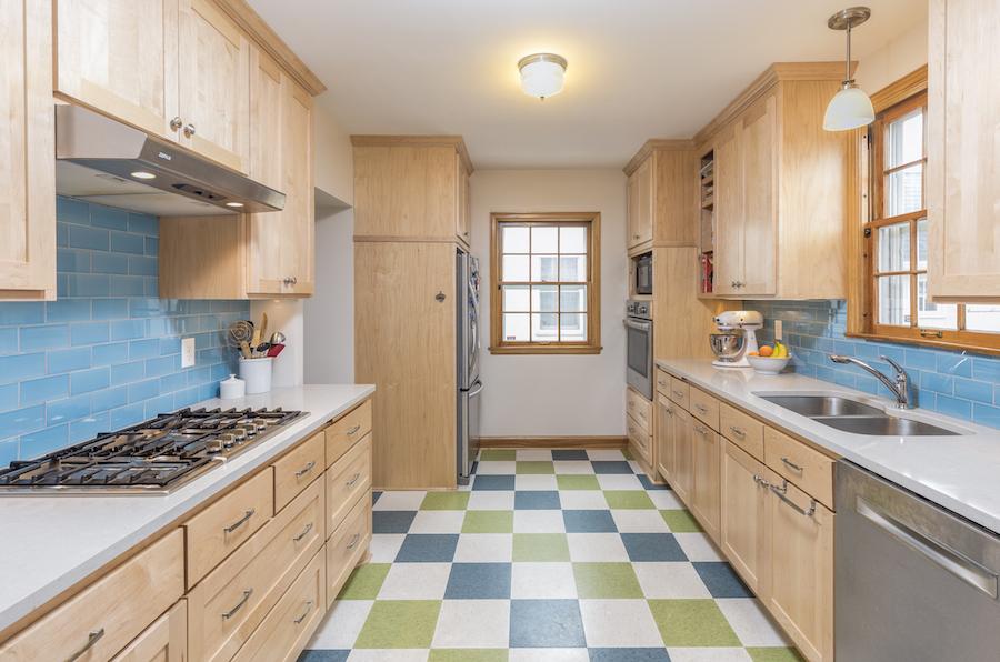 Minneapolis-St.Paul_Kitchen-Remodel_Maple-Cabinets_blue-green_Metamorphosis.jpg