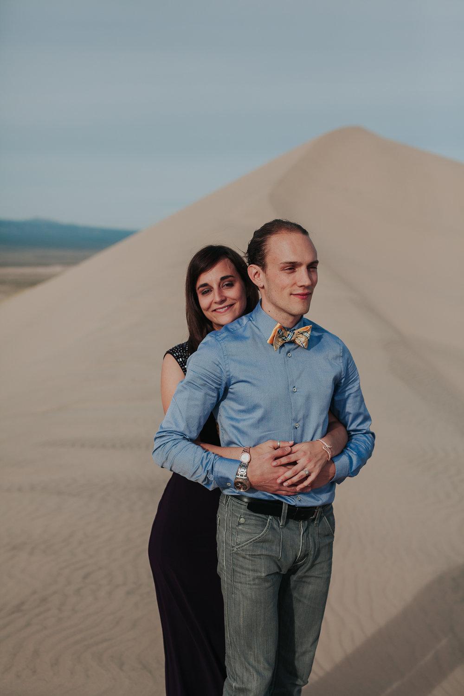 brandy.andrew. kelso sand dunes mojave desert  engagement session-18.jpg