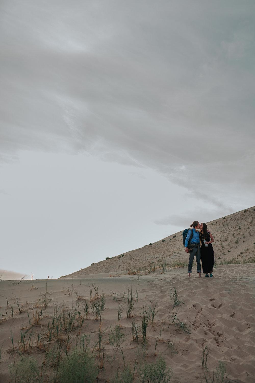 brandy.andrew. kelso sand dunes mojave desert  engagement session-65.jpg