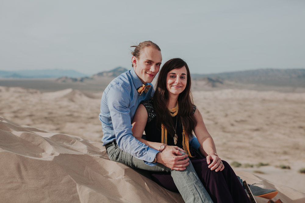 brandy.andrew. kelso sand dunes mojave desert  engagement session-82.jpg
