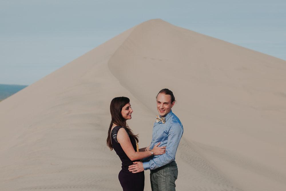 brandy.andrew. kelso sand dunes mojave desert  engagement session-85.jpg
