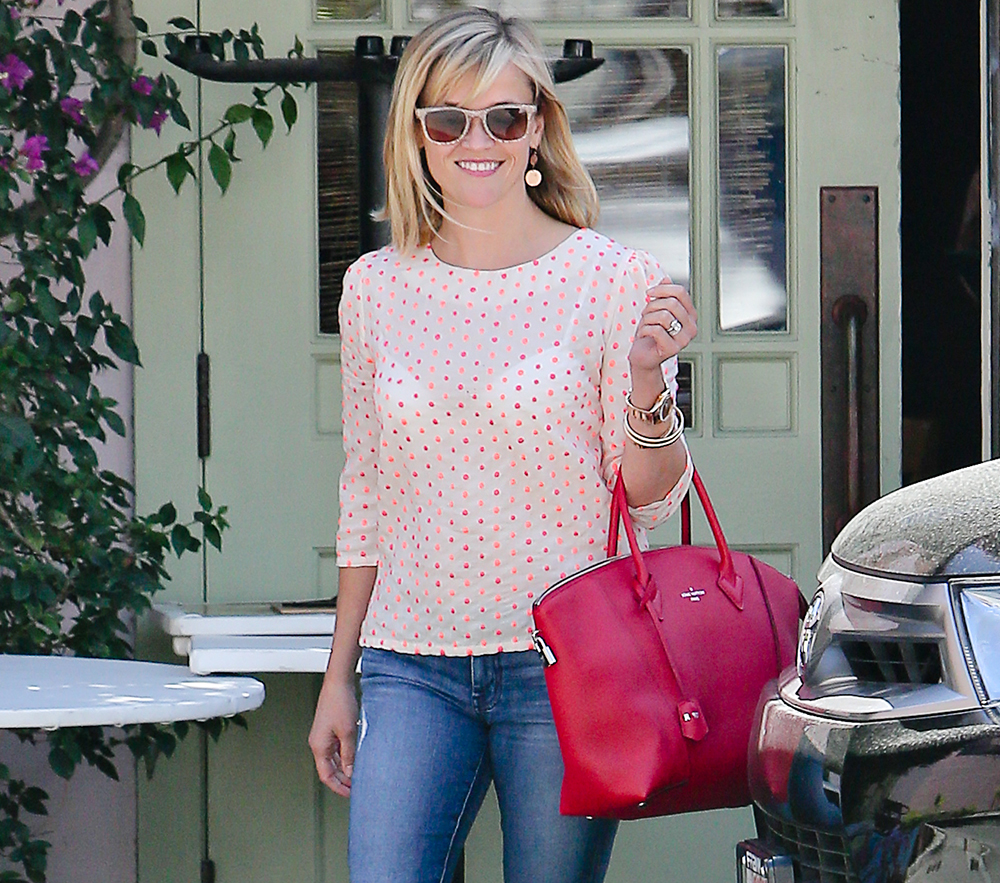 Reese Witherspoon image via  www.purseblog.com