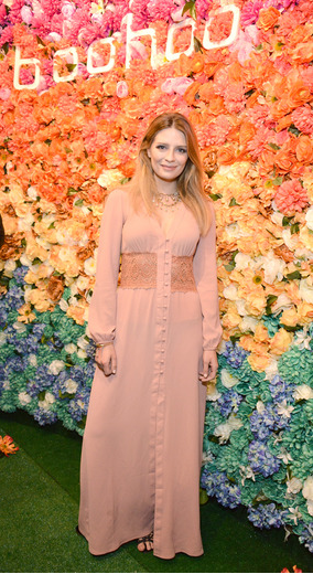 Mischa Barton, wearing the boohoo Dia Lace Maxi at boohoo LA Pop Up Store Opening Party
