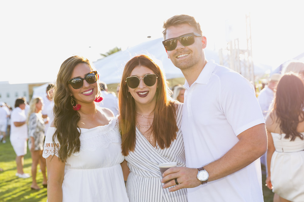 HotWhiteParty_055.jpg