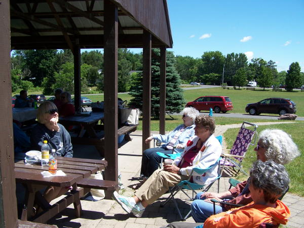 16 picnic2.jpg