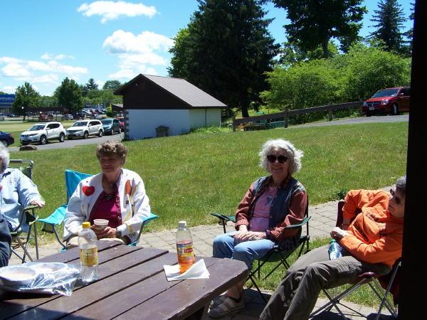 16 picnic1.jpg