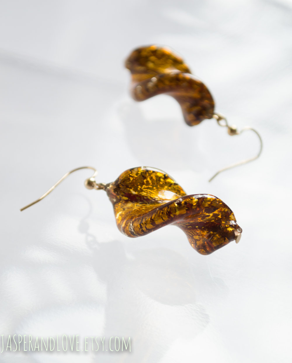 Fey - Glass dangle earrings