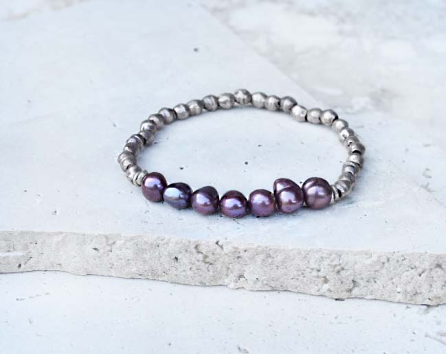 purple pearl bracelet5.jpg
