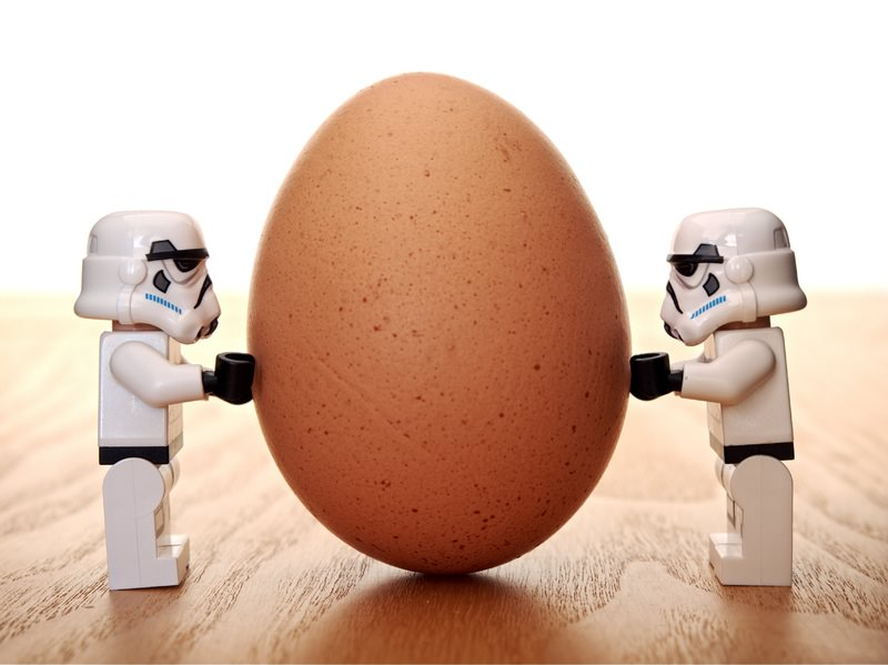 careful-two-lego-stormtroopers-holding-egg