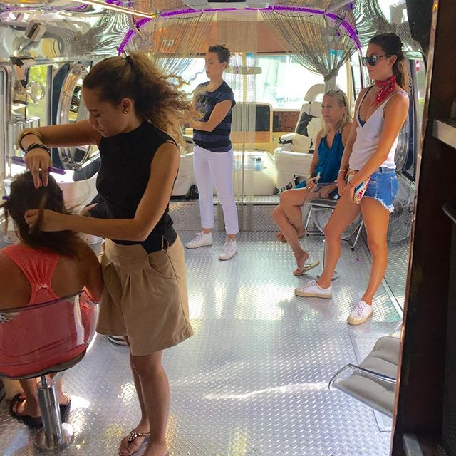 In action @sirenitysuttles @agnese29 for our braid bus #hairstreamnycxallure event @gurneysmontauk @allure #hairstreamnyc #hairspacemontauk #hairbraids #styling #beachhair