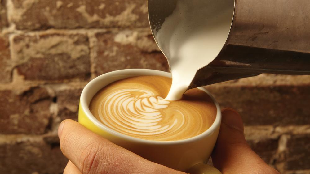 Latte-Pour-1500--x-844.jpg