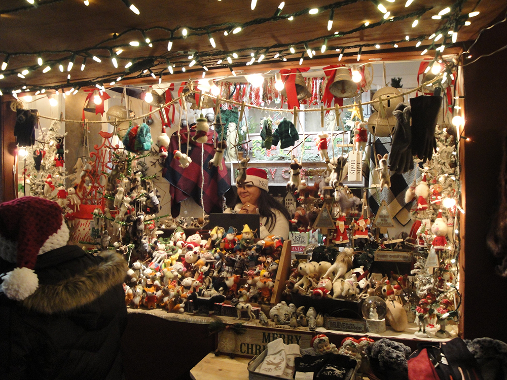 Did we mention that there are many booths at the Christmas Market where you can buy LOTS of Christmas stuff.