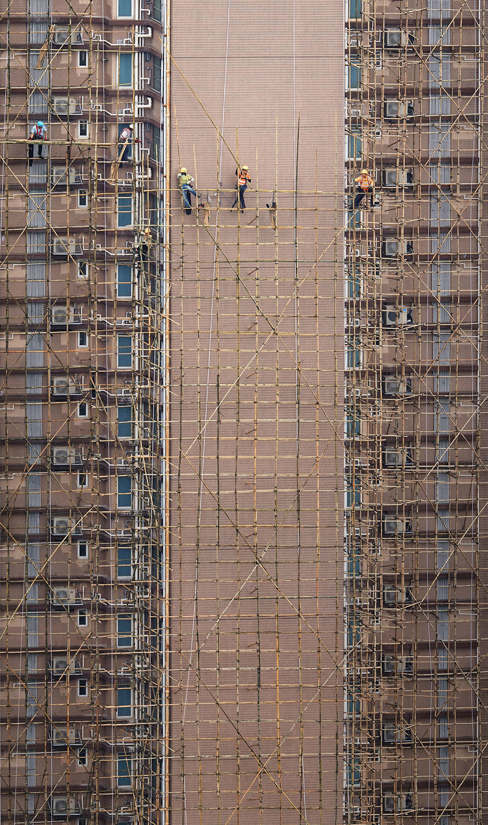 "Romain Jacquet-Lagrèze ""Bamboo Weavers"" [Hong Kong, 2017]"
