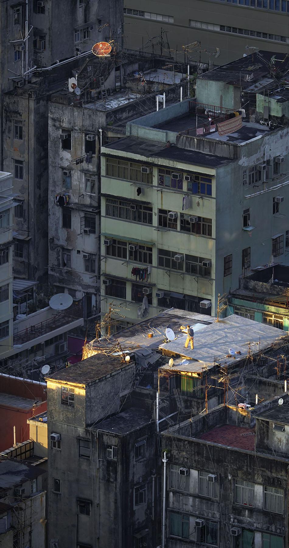 "Romain Jacquet-Lagrèze ""Sky Waling"" [Hong Kong, 2016]"