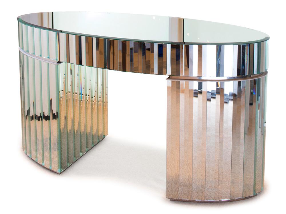 LINEA OVAL Standard Dimension: W 140cm x D 60cm x H 75cm