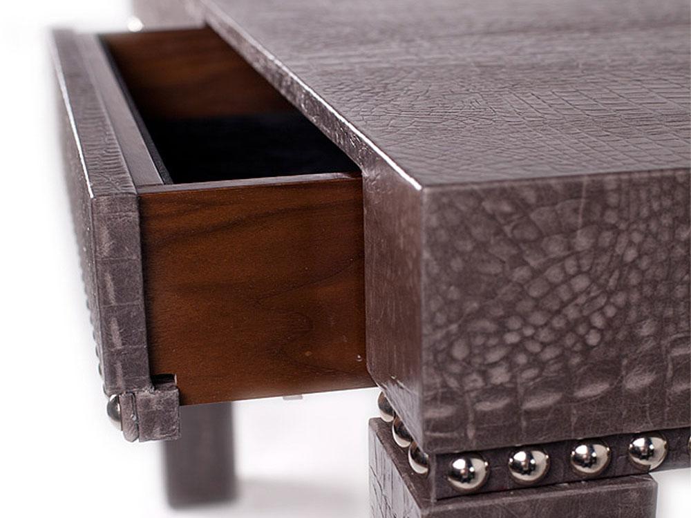 kampala-desk-close-3.jpg