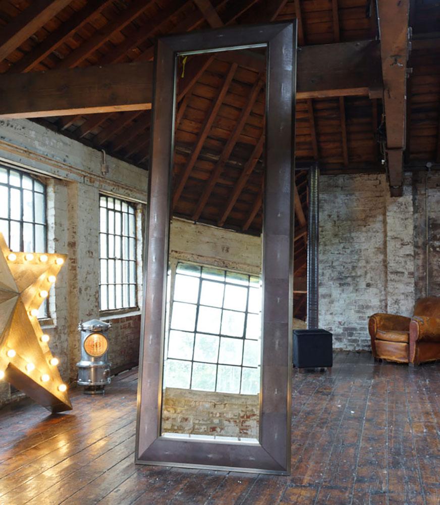 SAXON WITH ANTIQUE BRASS IN GENUINE SHAGREEN SPORT RUST Dimension: W 90cm x H 260cm