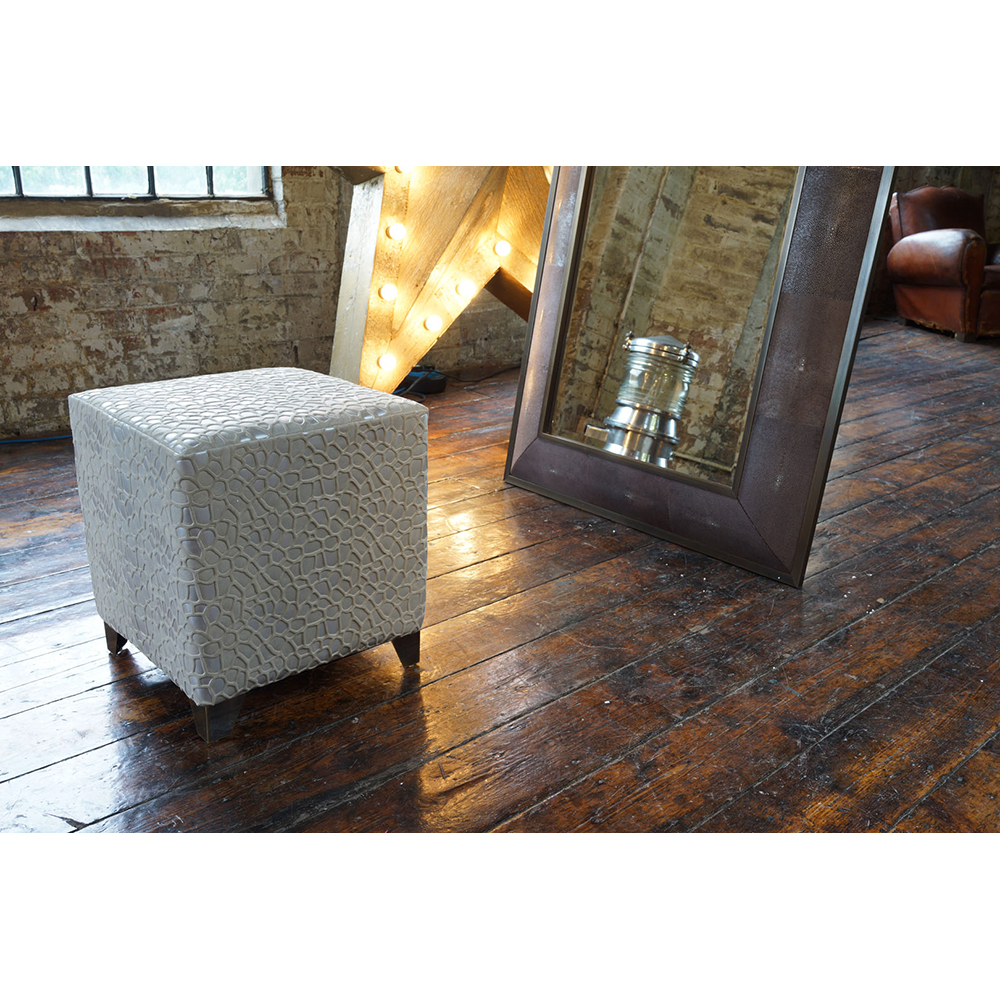 CHARLESTON CUBE STOOL FINISHED IN SHINGLE WET SAND AND ANTIQUE BRASS   Dimension: W 40cm x D 40cm x H 45cm