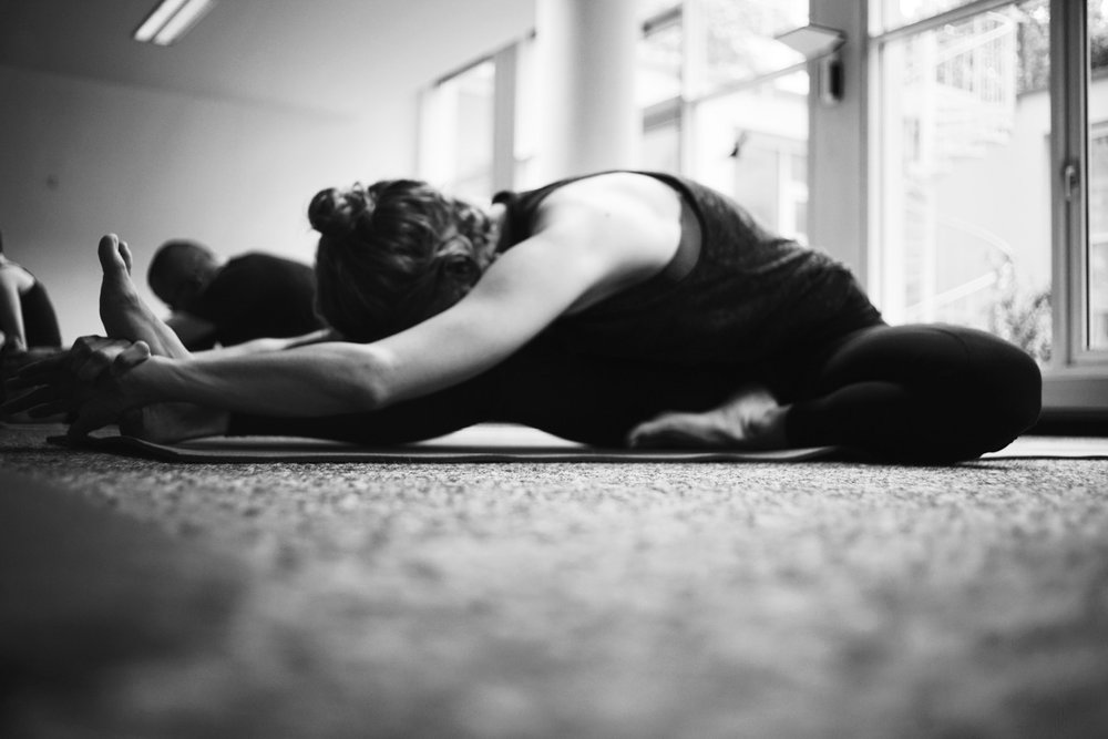 Herbst/Winter 2016     23. – 26.9.  Loftyoga Bielefeld  – 30h Ashtanga Yoga Adjustment Intensive  30.9. – 3.10.  Maitri Yoga Volkmarsen  –30h Ashtanga Yoga Adjustment Intensive  8. – 9.10.2016  AYM München  – Mysore Style & Asana Werkstatt: Surya Namaskar & Wunschaltungen  14. – 16.10.2016  Julianne Yoga Centrum  – Mysore Style & Asana Werkstatt: Surya Namaskar, Grundhaltungen & Grundfaltungen und Standing Postures  5. – 6.11.2016  ErgoVitas Hohenstein-Ernstthal  – Lebendiger Atem – Yoga Werkstatt: Surya Namaskar, Rückbeugen, stehende Haltungen und Pranayama  12. – 13.11.2016  AHAM Yoga Stuttgart  – Mysore Style & Asana Werkstatt: Surya Namaskar & sitzende Haltungen  26. – 27.11. & 3. - 4.12.2016 –  30h Ashtanga Yoga Adjustment Intensive in Ulm   7. – 8.1.2017  YOGABANDE Hannover  – Janoschs Turnstunde Internal Form, Mysore Style und Asana Werkstatt    yoga to the people.   www.janoschs-turnstunde.com