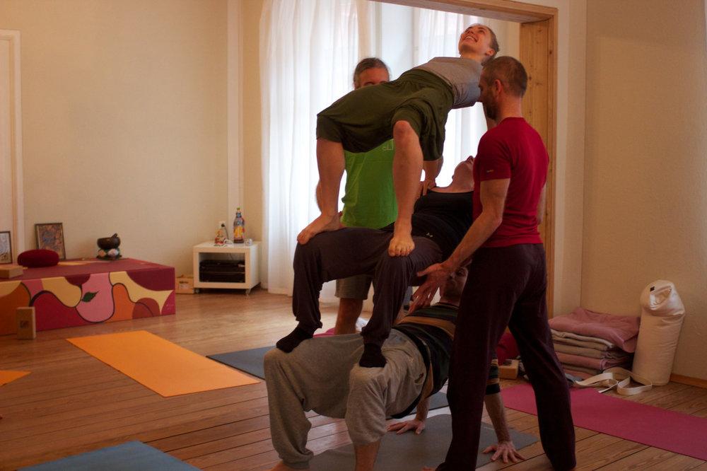 @yoga shala neu-ulm    www.heidi-jelic.de