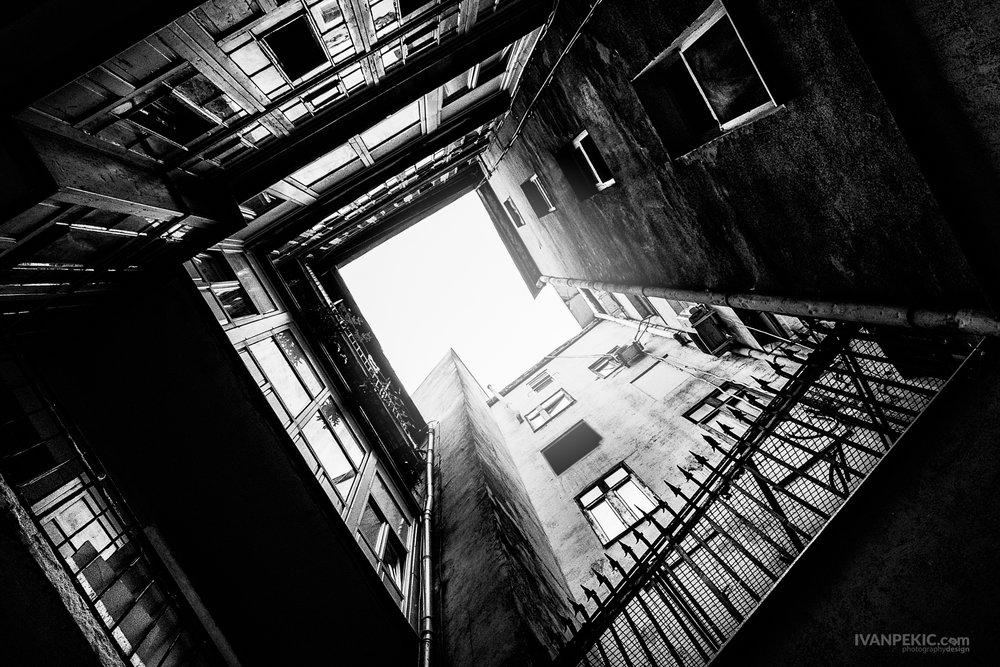 zgrade perspektiva streed cb bw.jpg
