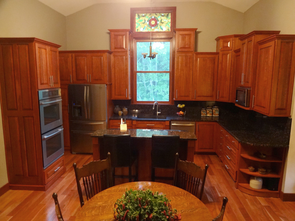 CUSTOM KITCHENS & BATHS
